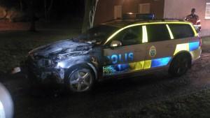 Polisbilen som utsattes för attentatet.