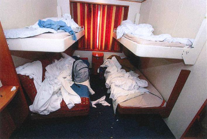 Hytten där målsäganden ska ha blivit våldtagen. © Polisen