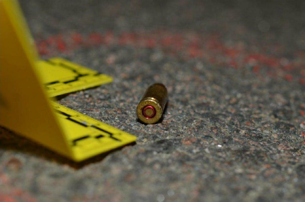 En av två patroner som hittades på brottsplatsen. © Polisen